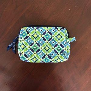 Vera Bradley Bags - NWOT Vera Bradley Daisy Daisy small cosmetic bag